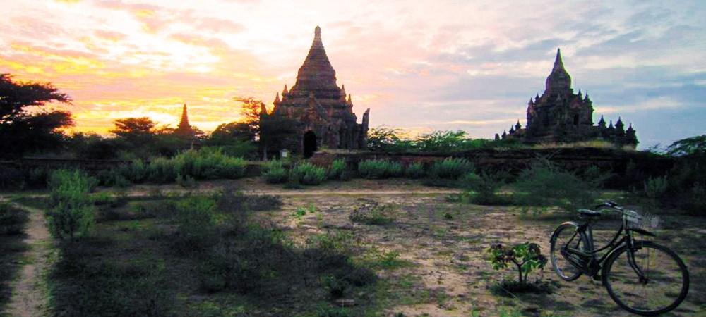 "Bagan Temple, Myanmar luxury travel ""width ="" 1000 ""height ="" 450 ""srcset ="" https://cdn.shortpixel.ai/client/q_lossy,ret_img,w_1000/https://www.explorient.com/wp- content / uploads / 2014/07 / Myanmar_Bagan1_L.jpg 1000w, https://cdn.shortpixel.ai/client/q_lossy,ret_img,w_300/https://www.explorient.com/wp-content/uploads/2014/07 / Myanmar_Bagan1_L-300x135.jpg 300w ""sizes ="" (maximum width: 1000px) 100vw, 1000px"